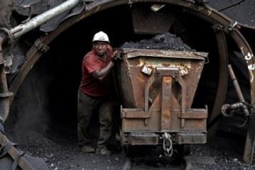 دبیر یک تشکل تخصصی:صنعت زغالسنگ ایران با قابلیت اشتغال فراوان،شرایط سختی دارد